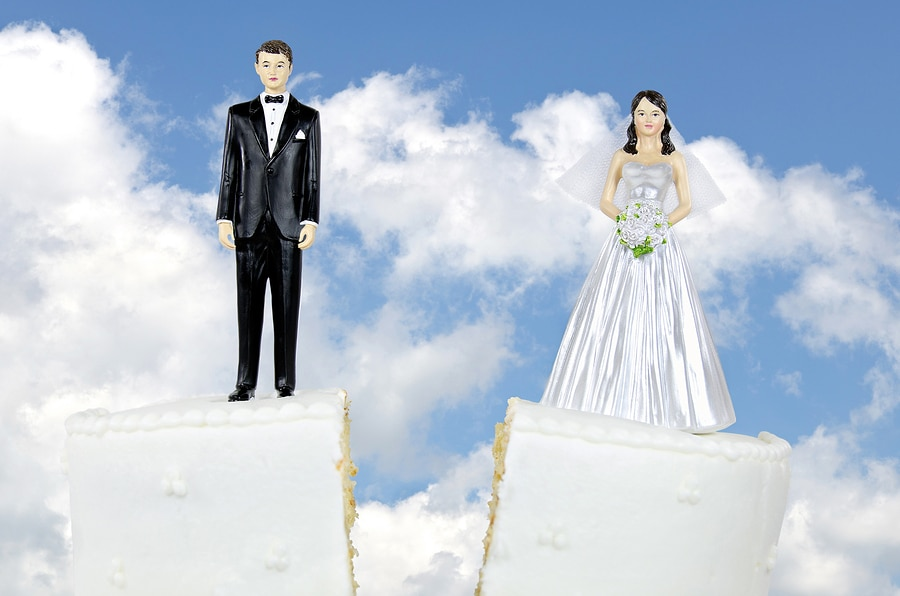 bigstock divorce couple on wedding cake