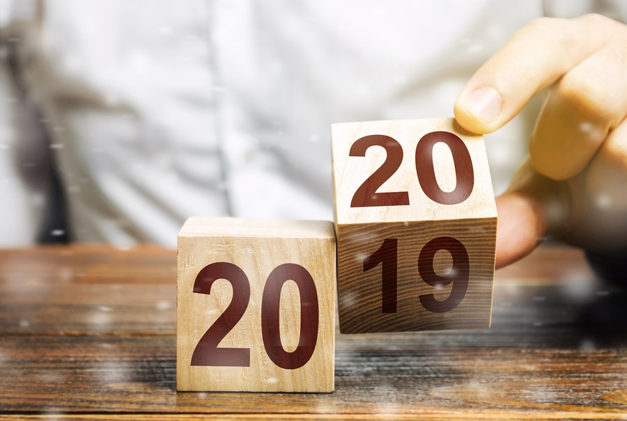 2019 and 2020 wooden blocks